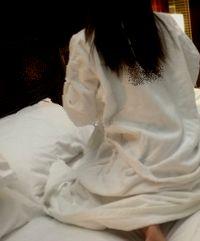 サセる人妻ラブホベッド.jpg