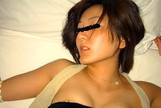 ベッド連れ込み女画