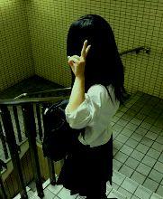 カバン女子持ち方.jpg